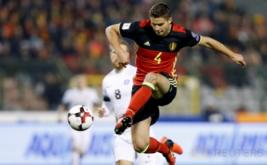 Leander Dendoncker mengontrol bola pada lanjutan kualifikasi Piala Dunia 2018 di Stadion King Baudouin, Senin (14/11/2016) dini hari WIB. (REUTERS/Francois Lenoir)