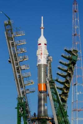 <p>  Roket Soyuz MS-03 menjelang peluncuran yang akan dilakukan dari kosmodrom Baikonur, Kazakhstan.</p>