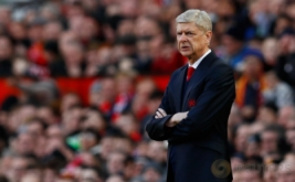 Pelatih Arsenal Arsene Wenger saat laga Arsenal kontra Manchester United di Stadion Old Trafford, Sabtu (19/11/2016). (Reuters/Jason Cairnduff Livepic)