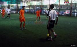Peserta mengikuti turnamen futsal BPJS Ketenagakerjaan Futsal Challenge (BFC) 2016 di Jakarta, Sabtu (19/11/2016).
