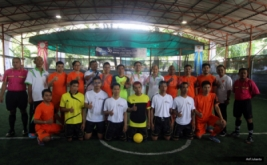 Peserta foto bersama sebelum mengikuti turnamen futsal BPJS Ketenagakerjaan Futsal Challenge (BFC) 2016 di Jakarta, Sabtu (19/11/2016).