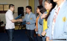 <p>  Sebanyak 10 mahasiswa Universitas Sam Ratulangi menerima dana pendidikan dari Hary Tanoe.</p>