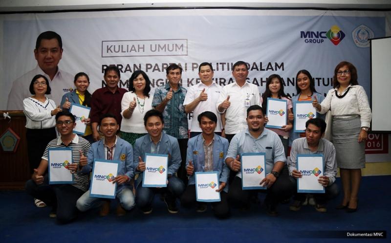 10 Mahasiswa Universitas Sam Ratulangi Raih Dana Pendidikan dari Hary Tanoe