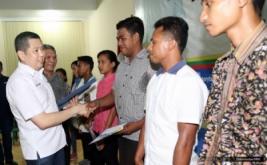 <p>  Sebanyak 10 mahasiswa UKIM mendapatkan dana pendidikan dari Hary Tanoe.</p>