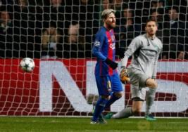 Lionel Messi selebrasi usai mecetak gol ke dua pada pertandingan Liga Champions penyisisan Grup C, Celtic Park vs FC Barcelona  di Celtic Park, Skotlandia, Kamis (24/11/2016). Barcelona lolos 16 besar usai mengalahkan Celtic 0-2 berkat dua gol dari Lionel Messi.Reuters / Russell Cheyne