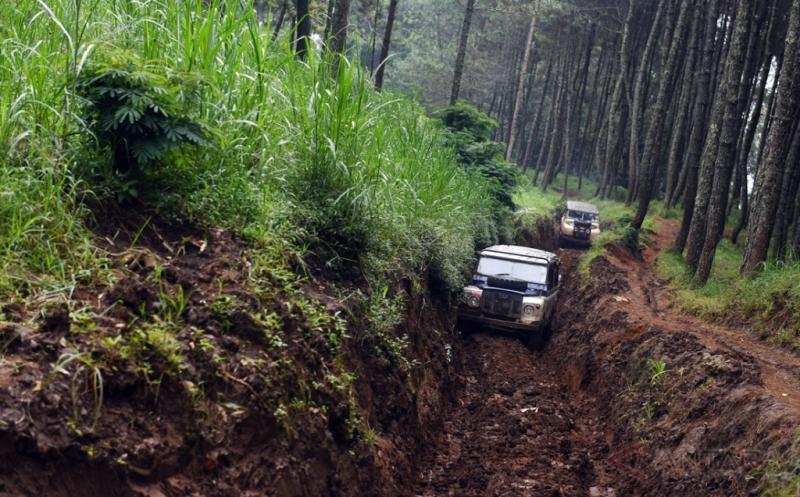 Wisata Offroad Sambil Menikmati Keindahan Alam di Bandung