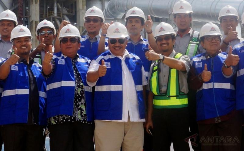 Kunjungan Anggota DPR ke Pabrik Semen di Rembang
