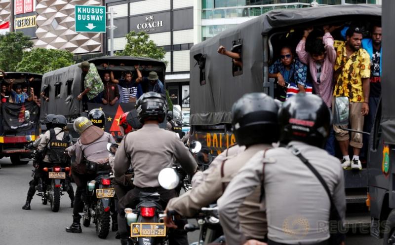 Tuntut Referendum, Puluhan Pendemo Papua Digiring ke Polda