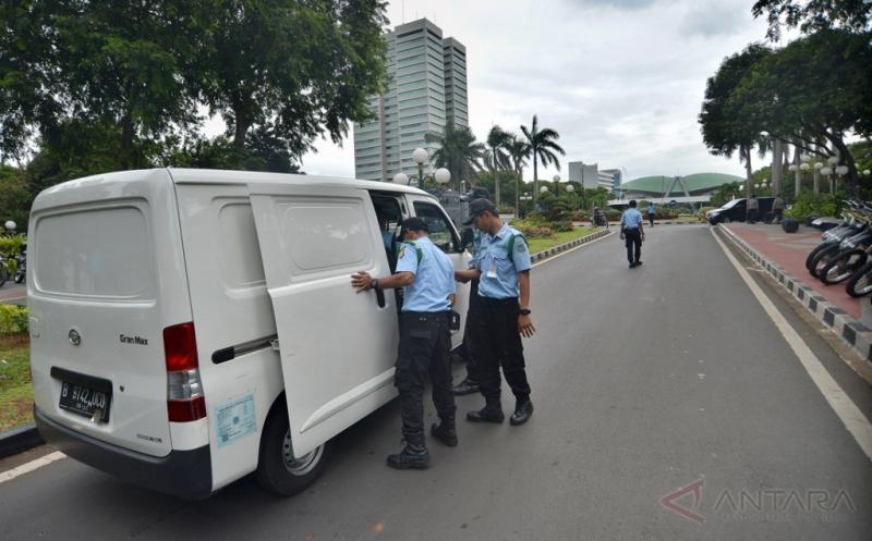 Antisipasi Keamanan Terkait Aksi Damai 212, Akses Masuk DPR Dijaga Ketat