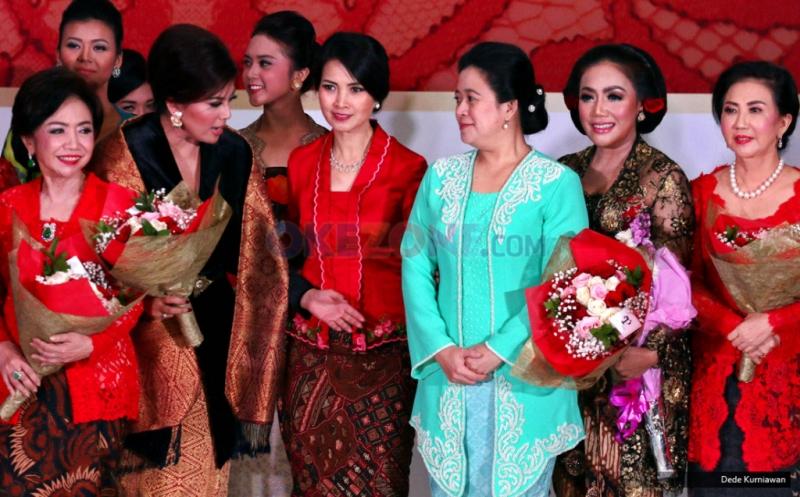 Liliana Tanoesoedibjo Bersama Menteri Puan Maharani di Pesona Kebaya Nusantara
