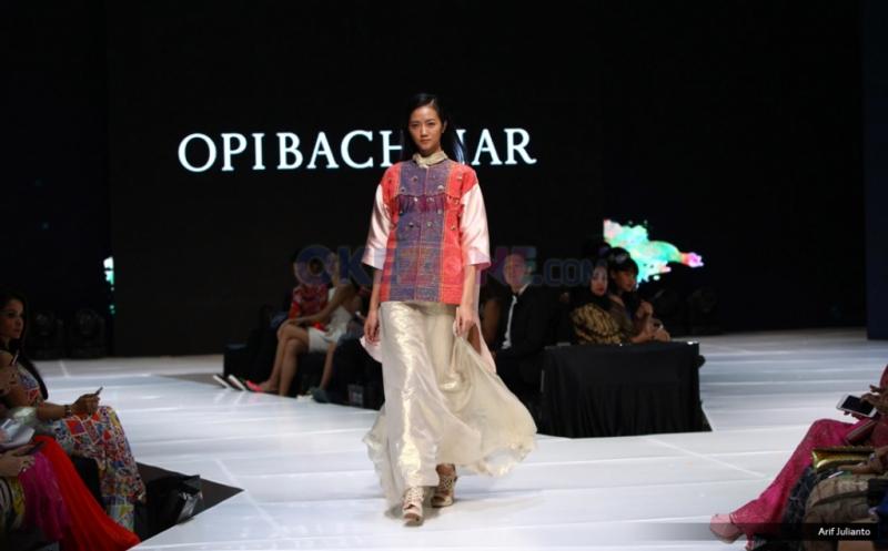 Warna-warni Koleksi Opi Bachtiar di I Fashion Festival