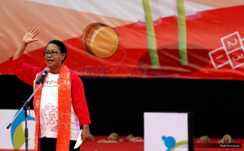 Pukul Gong Perdamaian Dunia, Menteri Yohana Buka Festival Permainan Tradisional Anak 2016