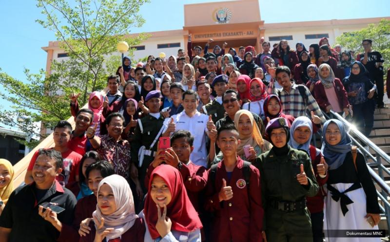 10 Mahasiswa Universitas Ekasakti Padang Dapat Dana Pendidikan dari Hary Tanoe