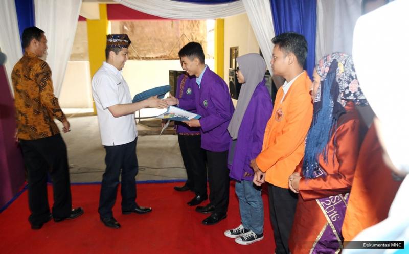 10 Mahasiswa STISIP Nurdin Hamzah Jambi Terima Dana Pendidikan dari Hary Tanoe