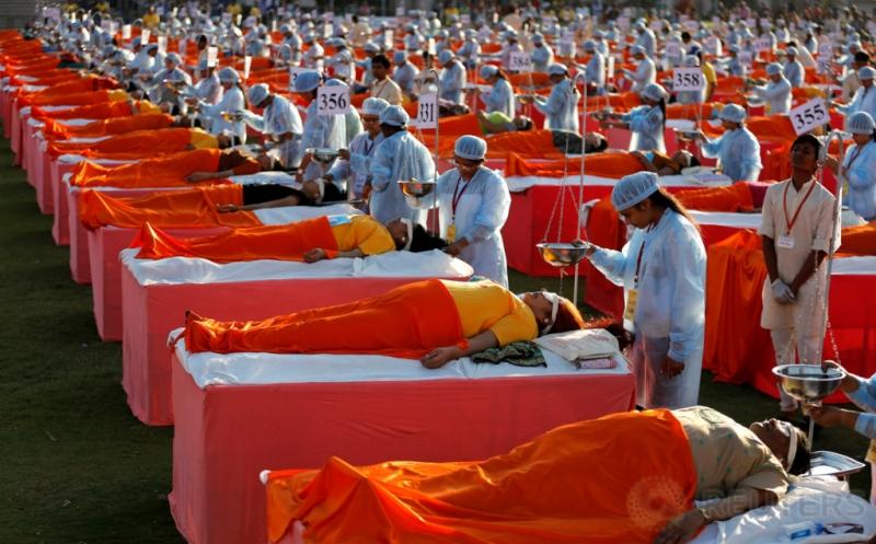 Target Guinness World Record, Pengobatan Massal di India Libatkan 1.111 Peserta