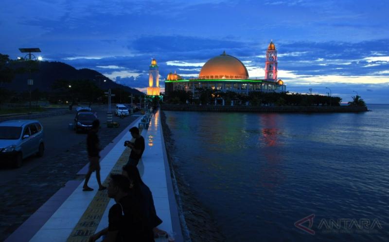 PNS Kabupaten Kolaka Utara Sumbang Miliaran Rupiah Untuk Masjid Indah Ini