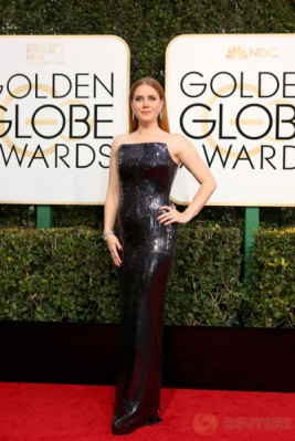 Amy Adams Hadiri Golden Globe Awards ke-74