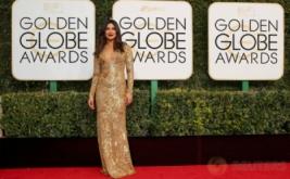 Gaun Berwarna Emas Bikin Priyanka Chopra Makin Terlihat Cantik
