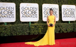 Maisie Williams Pilih Kenakan Gaun Berwarna Kuning di Golden Globe Awards ke-74