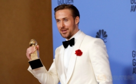 Ryan Gosling Raih Golden Globe Awards 2017 lewat La La Land