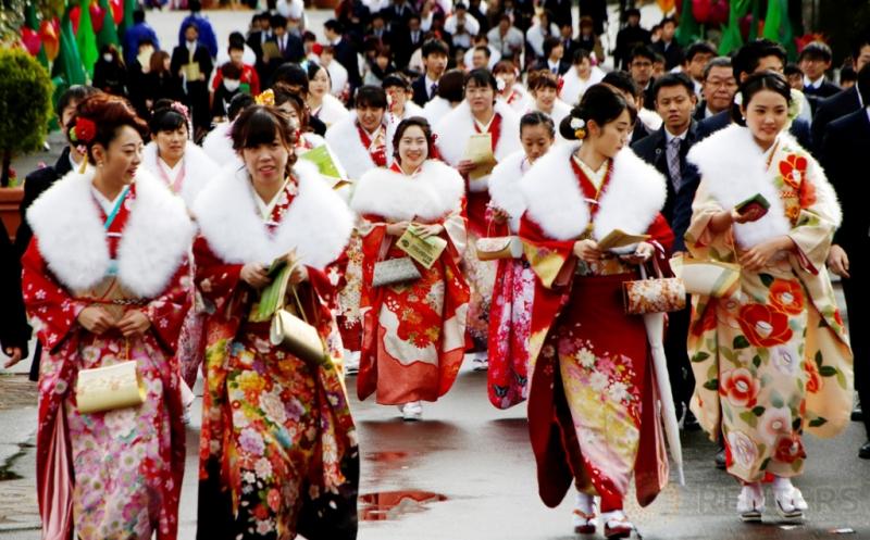 Hari Datangnya Kedewasaan, Gadis-Gadis di Jepang Kompak Pakai Kimono