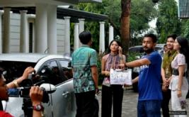 Intip Proses Syuting Eyang Mami Van Mounelen