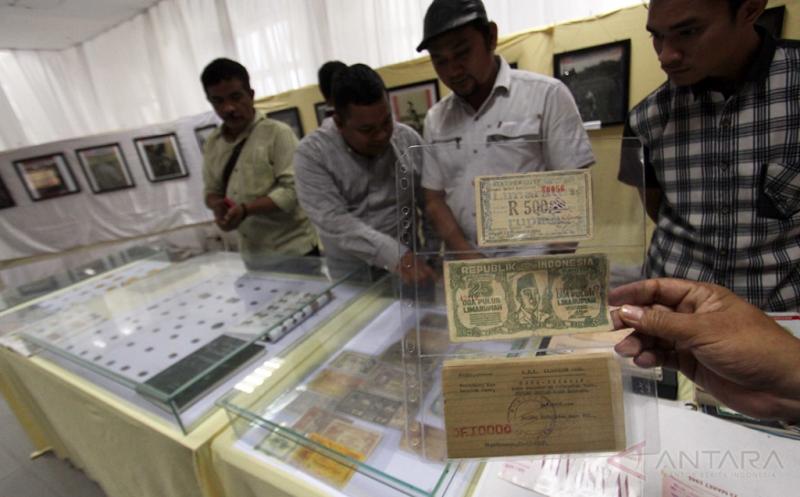Uang Kuno Nusantara Dipamerkan di Medan