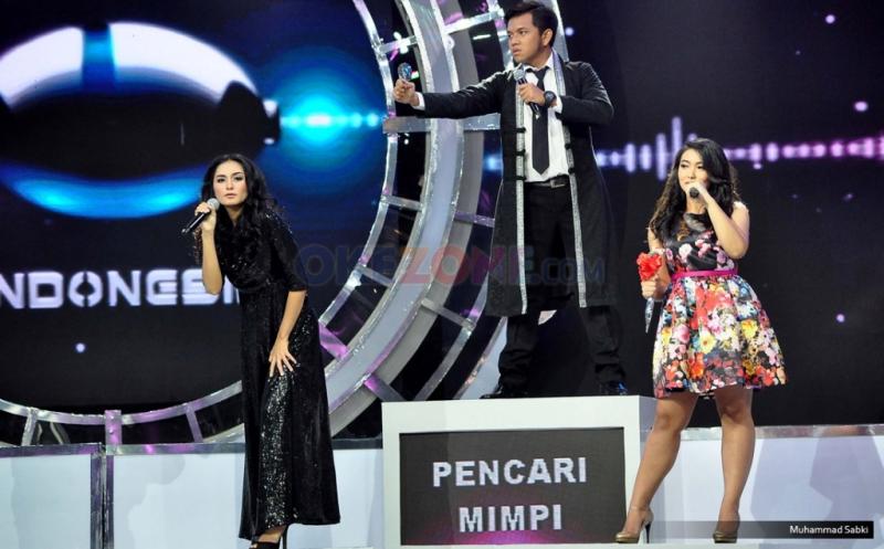 """Sejumlah kontestan mistery singer yang hadir pada acara Program MNCTV I Can See Your Voice di Studio MNCTV, Kebon Jeruk, Jakarta Barat, Kamis (12/1/2017). Setelah sukses tahun lalu, kini MNCTV kembali mempersembahkan """"I Can See Your Voice Indonesia Season 2""""."""