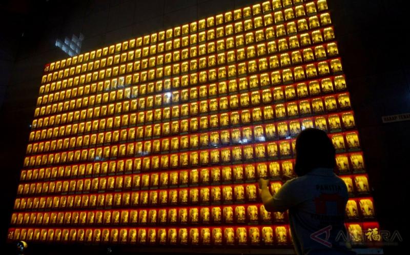 1.000 Patung Kimsin Jelang Perayaan Imlek