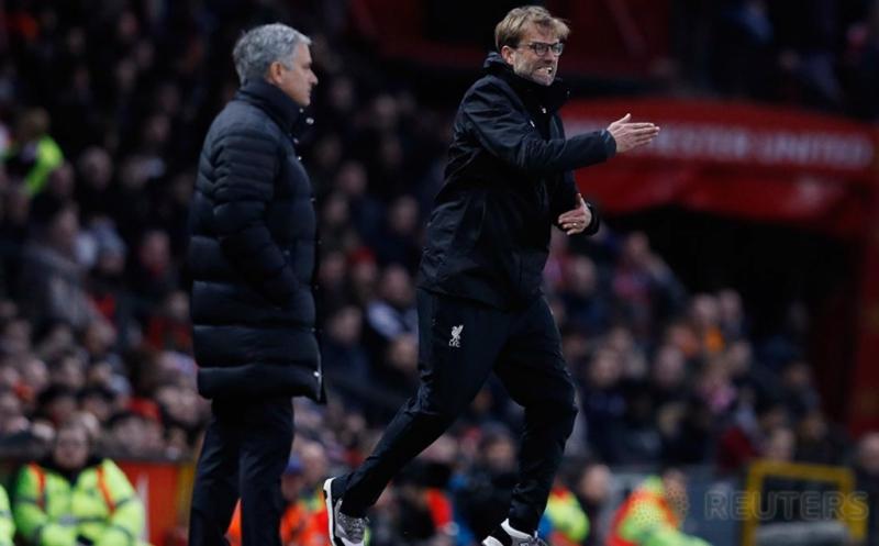 Juergen Klopp Ekspresif-Jose Mourinho Cool di Pinggir Lapangan