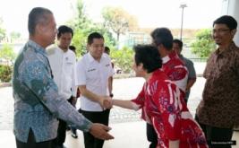 <p>  Chairman & CEO MNC Group Hary Tanoesoedibjo memberikan kuliah umum di STIE Tri Bhakti, Bekasi, Jawa Barat, Kamis (26/1/2017).</p>
