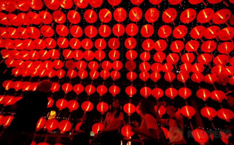 Indahnya Jalanan di Bangkok yang Dihiasi Lampion