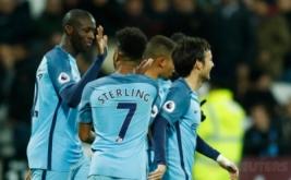 Para pemain Manchester City merayakan gol yang dicetak Yaya Toure (kiri). (Reuters/Eddie Keogh)