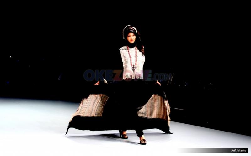 IFW 2017: Ida Royani Kembali Angkat Motif Tenun NTT