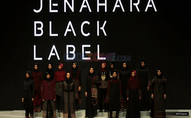 IFW 2017: Keindahan Kain Ulos dengan Sentuhan Edgy Minimalis di Koleksi Jenahara Black Label