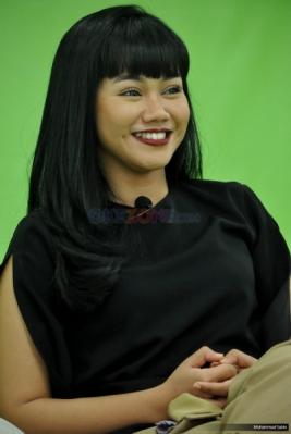 Main ke Okezone, Yura Yunita Berbagi Cerita Proses Video Klip Intuisi