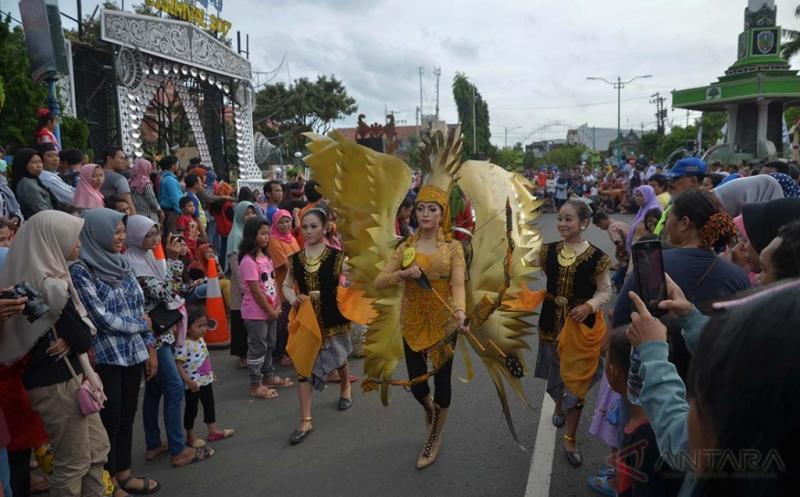 Jepara Carnival Angkat Batik Jepara dan Tenun Troso