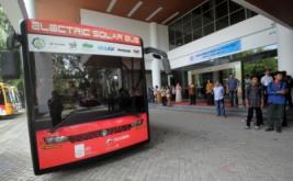 <p>  Peresmian bus yang ramah lingkungan tersebut bertujuan untuk memudahkan mobilitas mahasiswa saat beraktifitas di lingkungan kampus ITS.<br />  </p>
