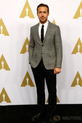 OSCAR 2017: Pakai Setelan Jas, Ryan Gosling Tampil Macho