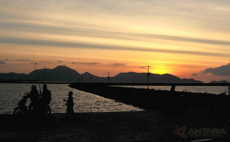 Kerennya Sunset di Pelabuhan Samudera Lampulo Aceh