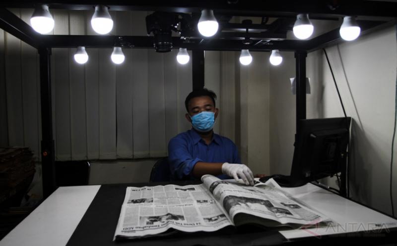 Melihat Lebih Dekat Digitalisasi Koran di Monumen Pers Solo