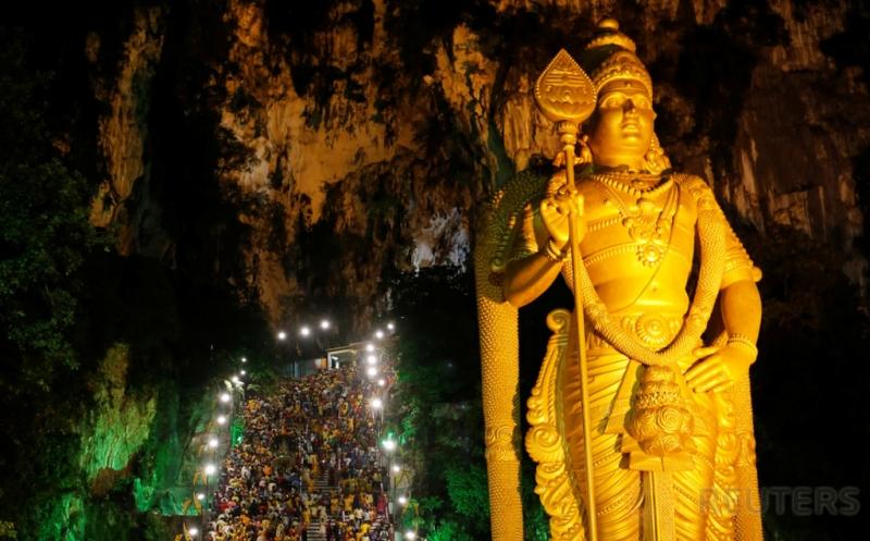 Festival Thaipusam, Jutaan Umat Padati Gua Batu Caves