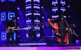 ZerosiX Park Tampil Berjubah Vampire di Super 10 Rising Star Indonesia