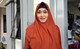 Angelina Sondakh Nyoblos di TPS 95 Lapas Pondok Bambu