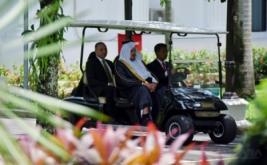 Ketua Majelis Al-Syura Kerajaan Arab Saudi Abdullah Bin Mohammed Bin Ibrahim Al-Sheikh (tengah) bersiap melakukan pertemuan dengan Presiden Joko Widodo di Istana Merdeka, Jakarta, Kamis (16/2/2017). Kunjungan kehormatan tersebut merupakan kunjungan pendahuluan sebelum Raja Arab Saudi melawat ke Indonesia pada awal Maret 2017.