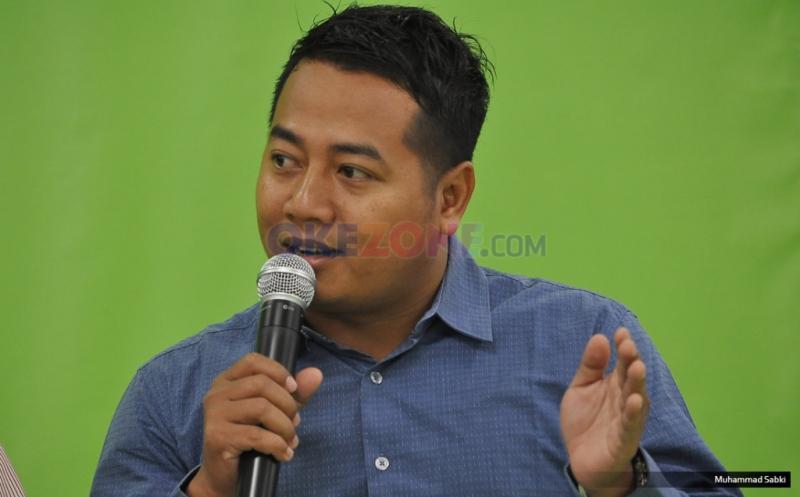 """Pengamat Politik Adi Prayitno saat berdiskusi Redbons yang bertajuk """"Menakar Peta Perpolitikan Pasca Pencoblosan"""" di kantor Okezone, Jakarta, Kamis (16/2/2017).Diskusi tersebut membahas tentang Pencoblosan pada Pemilihan Gubernur (Pilgub) DKI Jakarta 2017 telah berakhir."""