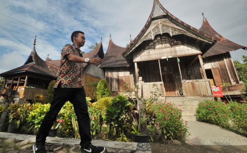 Wisata Kampung Adat ini Hanya Dihuni Pewaris Enam Suku