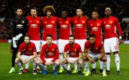 Pemain Manchester United berpose sebelum bertanding. (Reuters/Jason Cairnduff)
