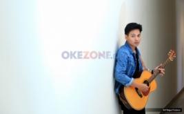 Main ke Okezone, Rendy Pandugo Bawakan I Don't Care