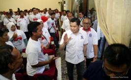 Ketua Umum Partai Perindo Hary Tanoesoedibjo tiba di lokasi pelantikan 222 DPRt Partai Perindo Pemalang di Pemalang, Jawa Tengah, Jumat (17/2/2017).